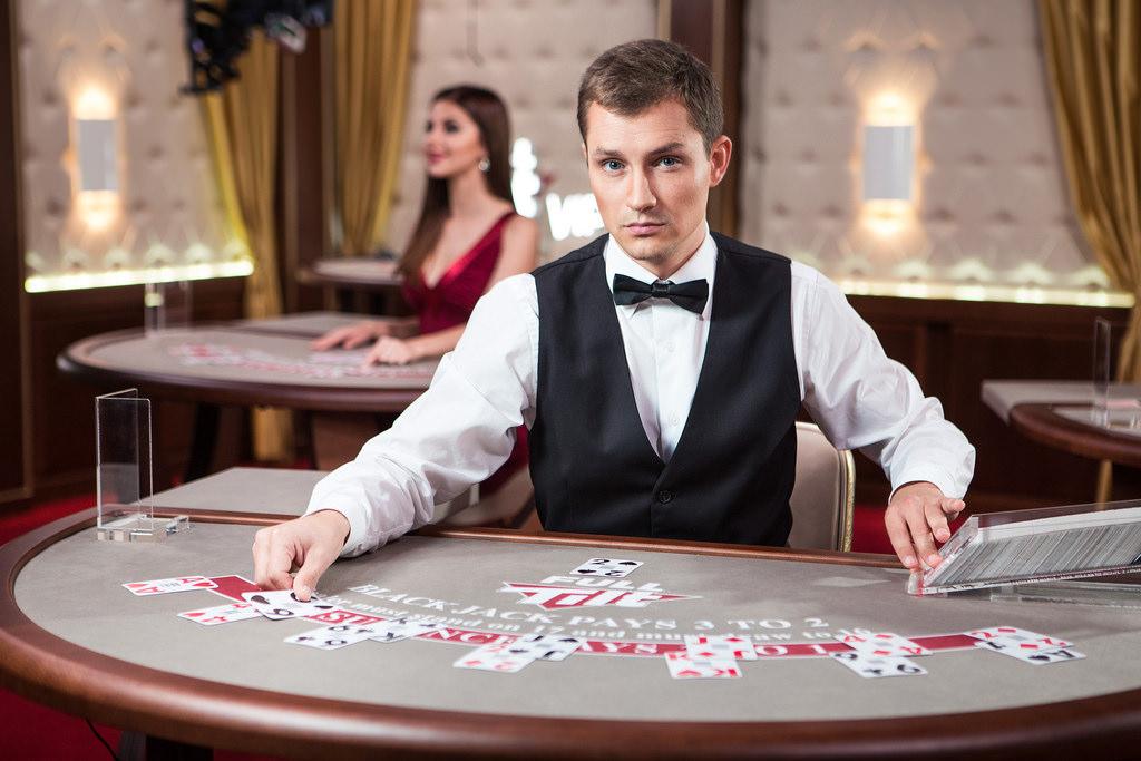 Så Hur Definierar Man Och Spelar Man På Sociala Casinon?